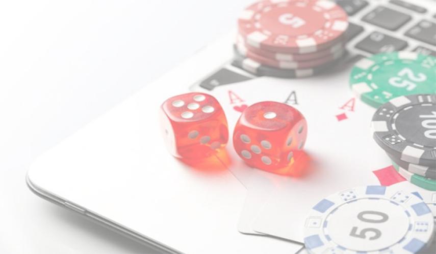 Pilih Poker atau Domino Bandarq Sediakan Keduanya